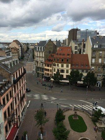 BEST WESTERN Hotel De France by HappyCulture : Vista sui tetti dalla camera Junior Suite 501