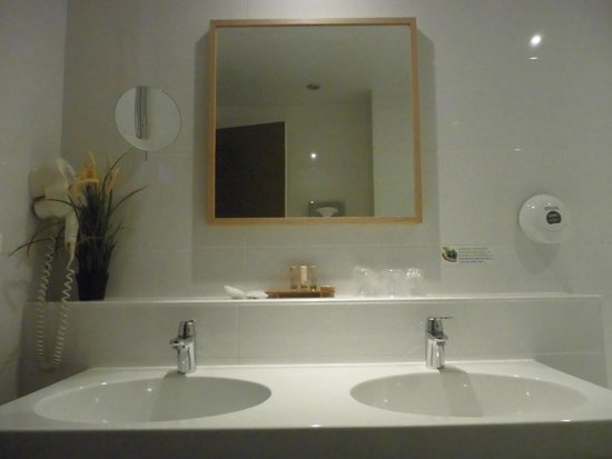 BEST WESTERN Hotel De France by HappyCulture : bagno
