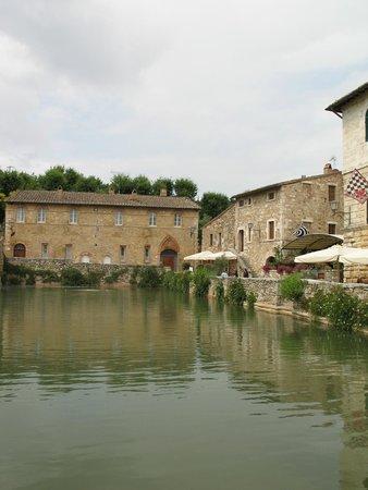 Terme bagno vignoni foto di terme bagno vignoni bagno - Bagno vignoni mappa ...