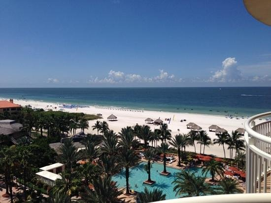 Marco Island Marriott Beach Resort, Golf Club & Spa: View from the 9th floor