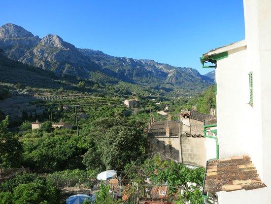Fornalutx Petit Hotel: Blick aus dem Badezimmer
