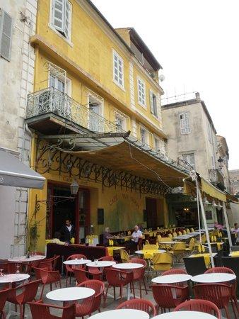 Place du Forum : Van Gogh Cafe