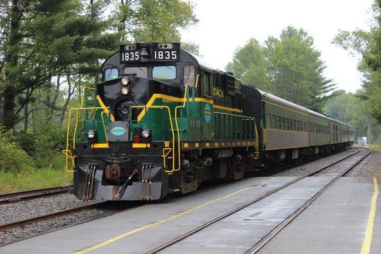 Adirondack Scenic Railroad: Adirondack Scenic RR Train