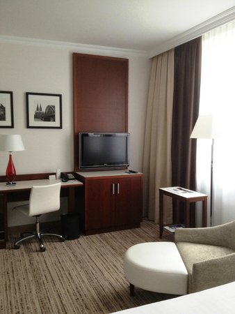 Cologne Marriott Hotel: room