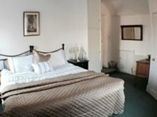 Boyne Arms: Bed & Breakfast en-suit room