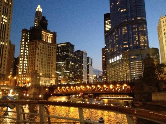 Wendella Sightseeing Boats: chicago by night