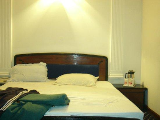 Hotel Ajanta: stanza di hotel senza finestre