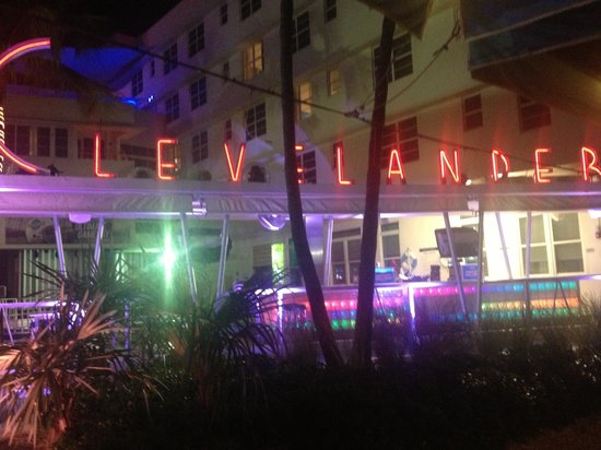 Clevelander South Beach Hotel: It comes alive in the night time
