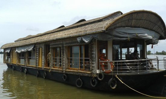 Sarangi House Boats Alappuzha: 3 bed room ac deluxe