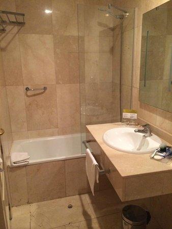 Hotel Exe Suites 33 : doccia