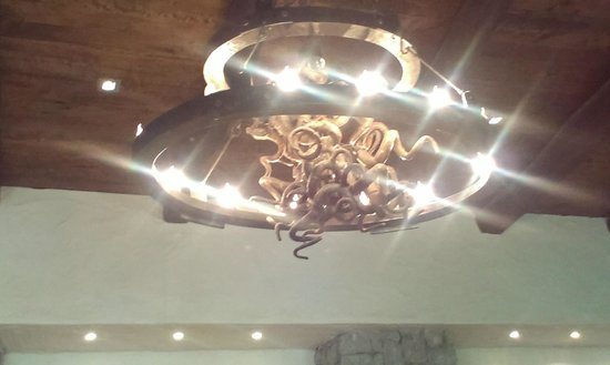 Fairview Wine and Cheese: Fab chandelier