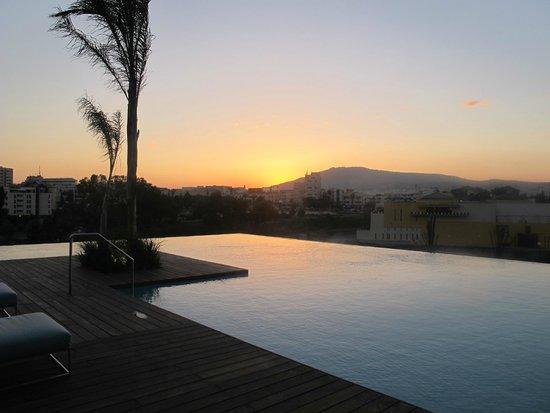 Hotel Sahrai : Sun set by the pool