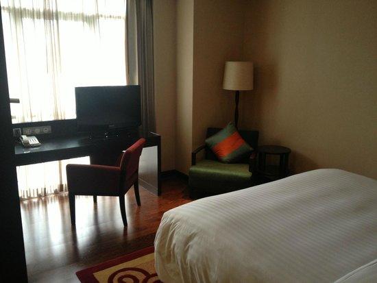 Sathorn Vista, Bangkok - Marriott Executive Apartments: camera con letto king size