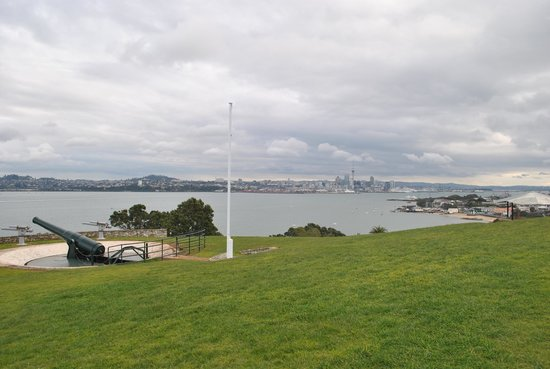North Head Historic Reserve : Gorgeous view - can understand why the military guarded the harbor from here!