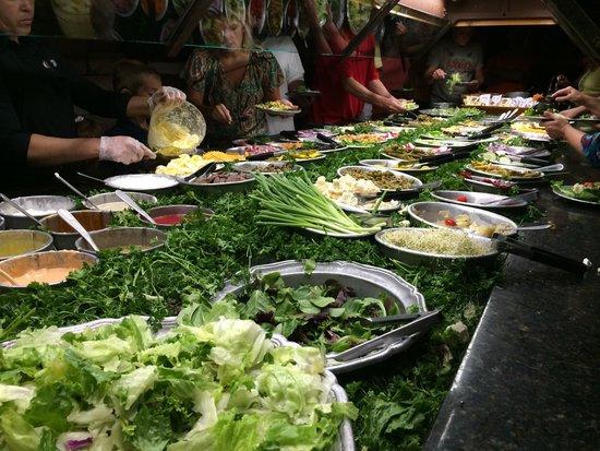 The Peddler Steakhouse: Salad bar