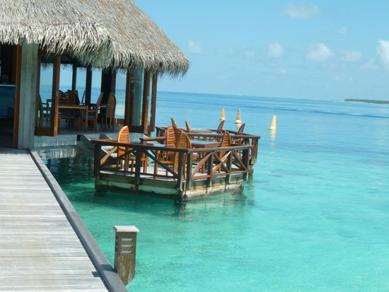 Conrad Maldives Rangali Island: Over water dining