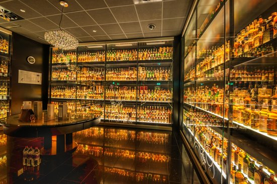 Single largest scotch collection in the world