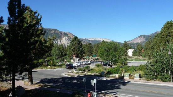 Mammoth Creek Inn : View from Main Lobby