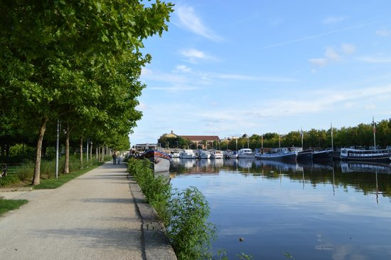 Novotel Suites Nancy Centre Hotel : port de plaisance Nancy