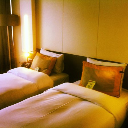 Caratpark Hotel : My bed!