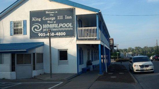 King George III Inn: Exterior view