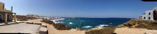 Hotel Grotta: South toward Naxos Town