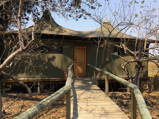 Wilderness Safaris Little Vumbura Camp: Outside Room 2