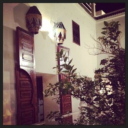 Hotel du Tresor : A picture of within the courtyard