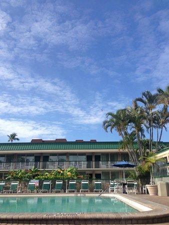 Wyndham Garden Fort Myers Beach : Pool area.