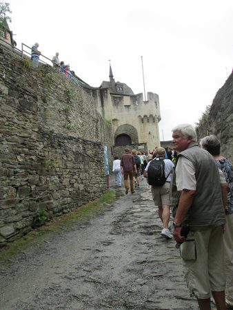 Schloss Marksburg: Walking the rugged path to the castle