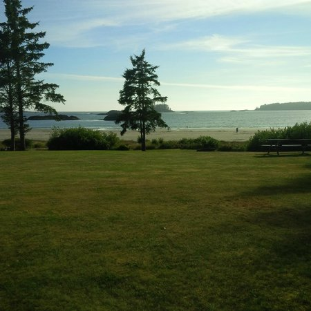 BEST WESTERN Tin Wis Resort: grounds and beach view