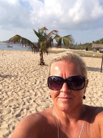 Benoa Beach Front Villas & Spa: Morning walks along the beach