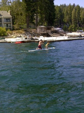 Lake Arrowhead Resort and Spa, Autograph Collection: Perfect location, just off the beach