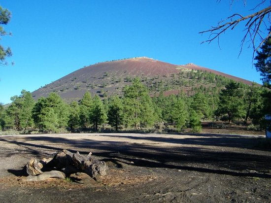 Sunset Crater Volcano National Monument: Sunset Crater Mountain