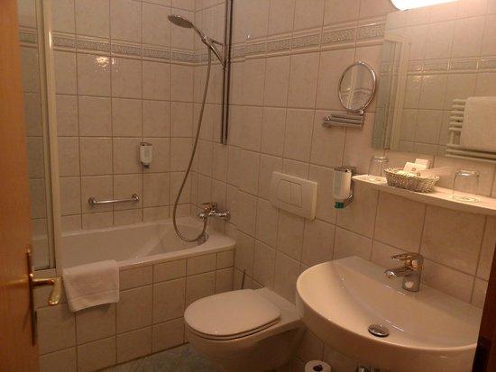 Best Western Plus Hotel Erb: La salle de bains