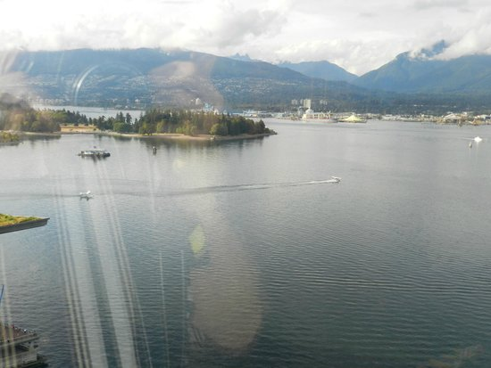 Pan Pacific Vancouver: Harbor view from 20th Floor