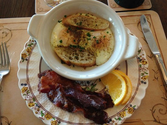 The Inn at Ormsby Hill: breakfast