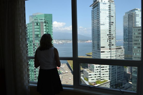 Vancouver Marriott Pinnacle Downtown Hotel : 1/4 window view