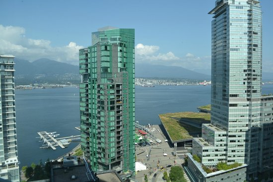 Vancouver Marriott Pinnacle Downtown Hotel : 1/4 window view 2