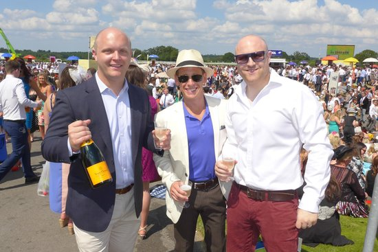 Ascot Racecourse: Enjoying the finer things in life at Ascot!