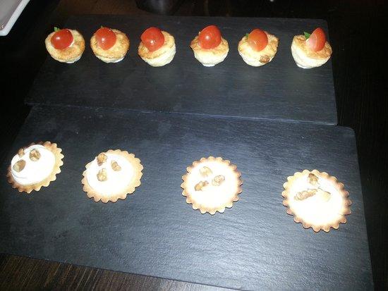 La Oliva: tartelette and omelette