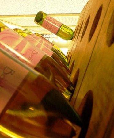 Our Four Tropical Wines Billede Af The Portland Wine Bar