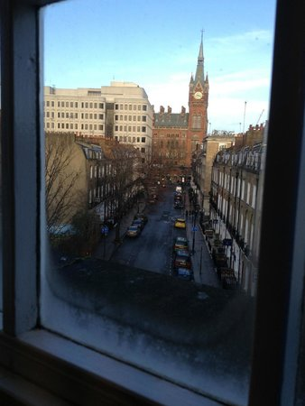 Wardonia Hotel: View out my window towards Kingscross