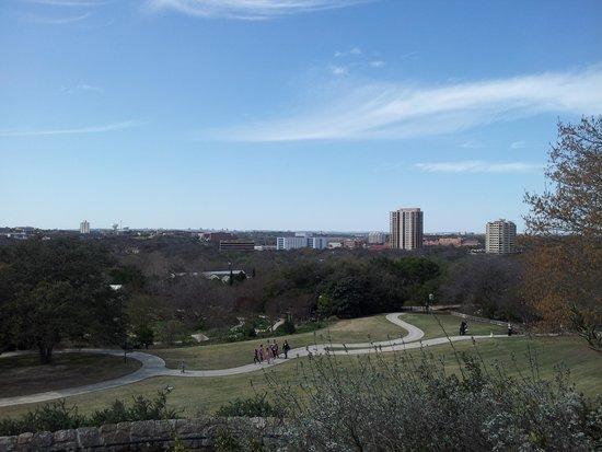 San Antonio Botanical Garden: hill in middle of garden