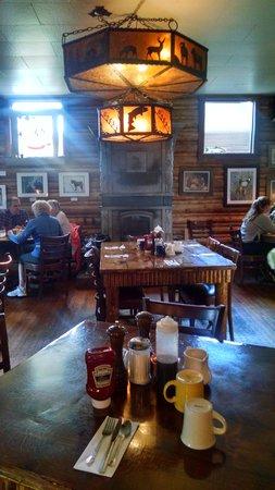 Nora's Fish Creek Inn: Nora's inside