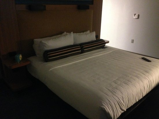 Aloft Tallahassee Downtown: Large, comfortable bed