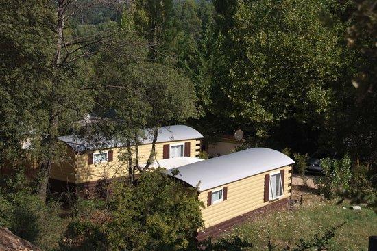 bungalow toil 233 avec sanitaire individuel ร ปถ ายของ cing les cadenieres villecroze