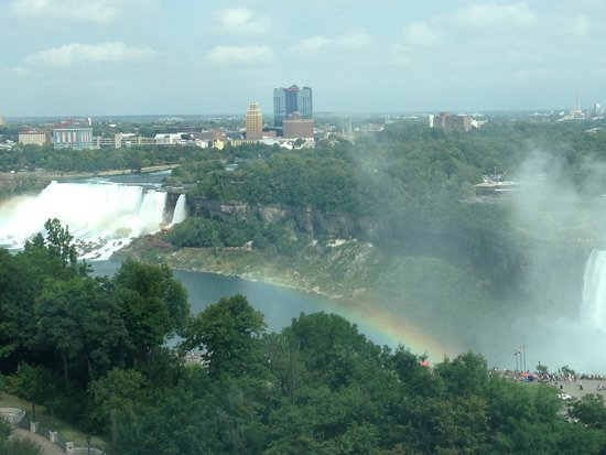 Embassy Suites by Hilton Niagara Falls Fallsview Hotel : Beautiful rainbows in the day time and fireworks at night