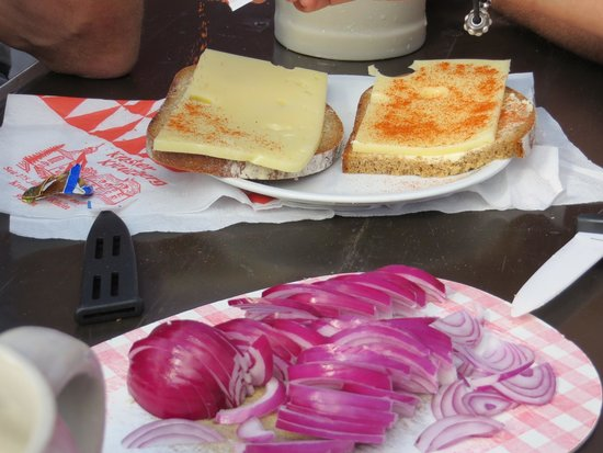 Kloster Kreuzberg: kase and brot - so yummy - we brought our own onions...