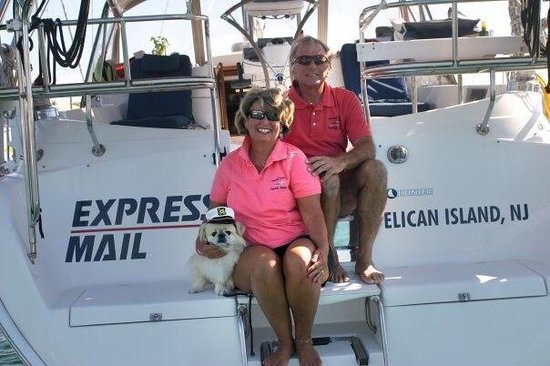 Island Heights, Нью-Джерси: Captain Mike & Captain Diane with Beamer.